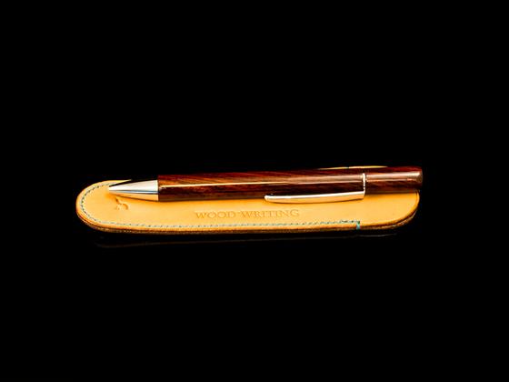 Solace meetz Wood Writing